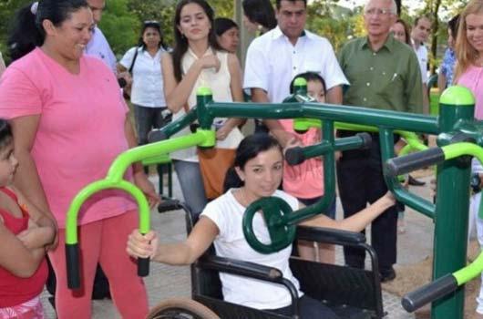 Paraguaios da Cidade de Leste recebem Academias ao Ar Livre.