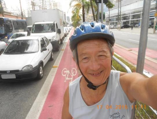 Nelson Sumihara, de 64 anos, é o exemplo da importância da atividade física na terceira idade