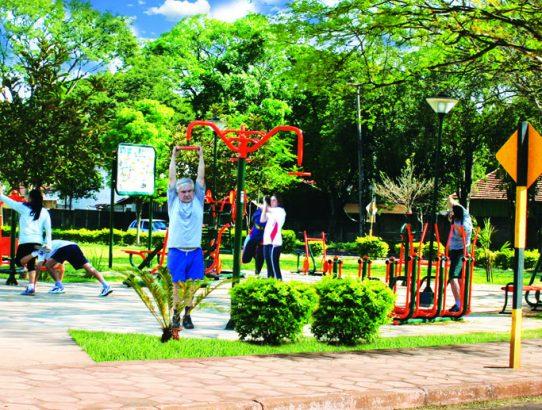 Os benefícios de ter uma academia ao ar livre no seu condomínio